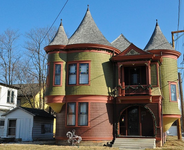 Victorian style home in muncie indiana by valerie for Victorian themed house
