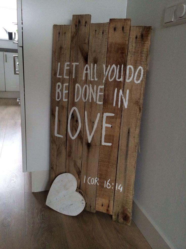 Leuk idee, houten planken met tekst