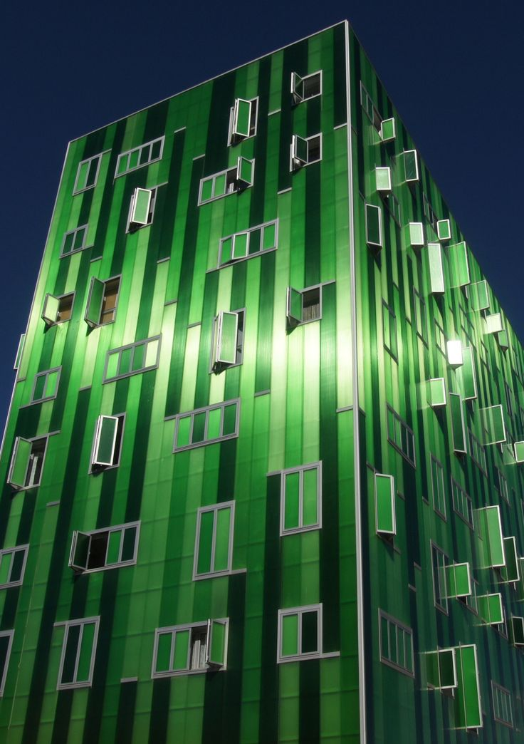 Green building by Flemming Lauridsen on 500px