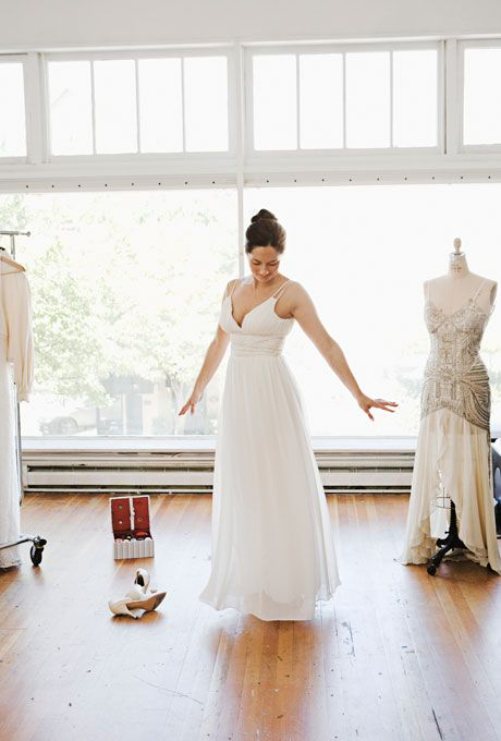 Choosing the ideal Wedding Dresses For Petite is not easy, but, SECURE, ALWAYS, there is one model that will make you become the most beautiful bride.