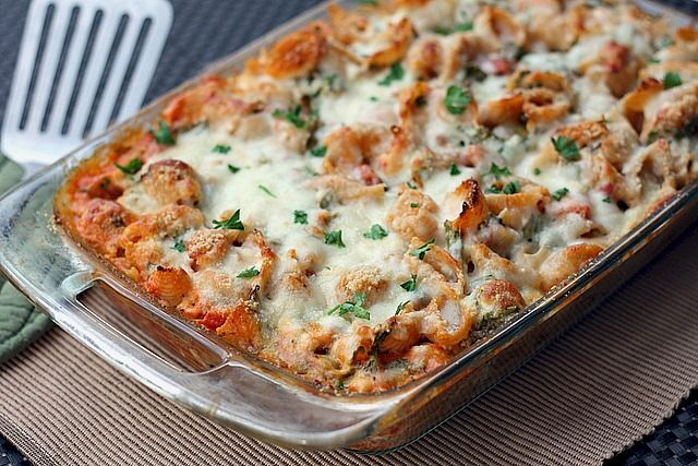 Spicy four cheese pasta (made healthier using low-fat cottage cheese, skim mozzarella, greek yogurt and whole grain pasta.)