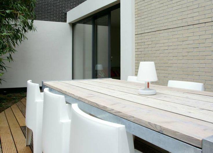 Tafel steigerhout met Box stoelen