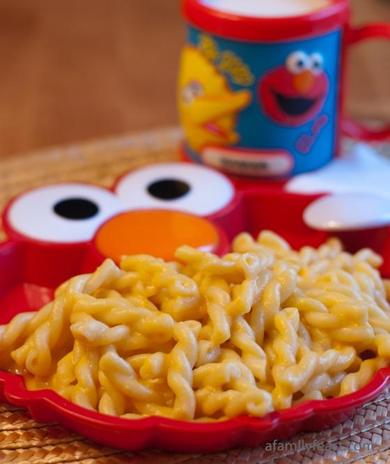 Copycat Kraft Macaroni and Cheese - A Family Feast #Copycat #Recipes