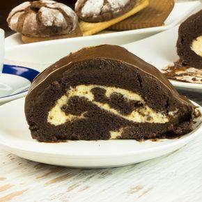Rulada super delicioasă cu ciocolată e atât de ușor de făcut, încât nici nu se merită să o cumperi. Deși pare a fi o ruladă obișnuită, când este tăiată, aspectul este într-adevăr unul spectaculos. Delectați-vă