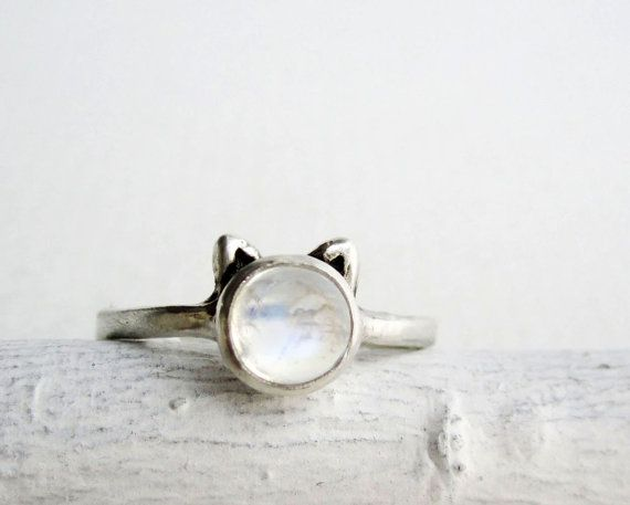 White Cat Ring,HIGH GRADE Rainbow Moonstone and Sterling Silver
