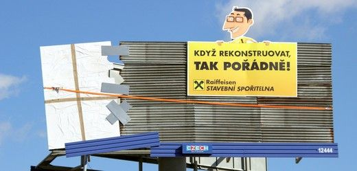 Reklama na Raiffeisen stavební spořitelny..