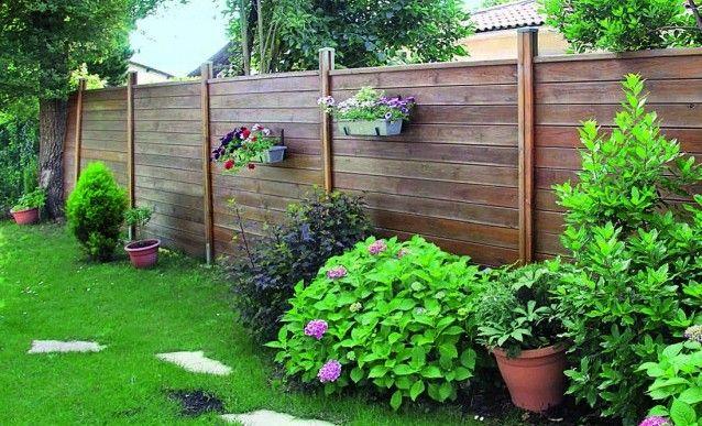palisser son jardin avec des panneaux brise vue en bois de pin jardin pinterest panneau. Black Bedroom Furniture Sets. Home Design Ideas
