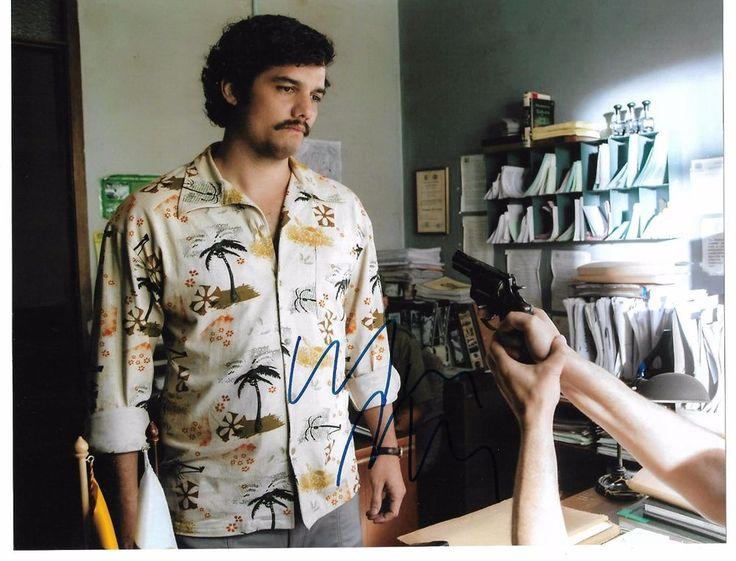 Wagner Moura autographed Narcos 8x10 photo+COA Pablo Escobar