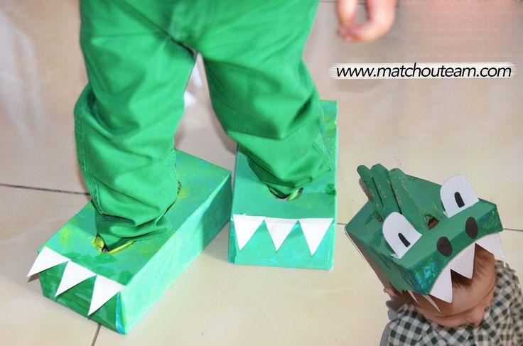 Déguisement dinosaure avec des boites de mouchoirs... Terrrrrrrible!