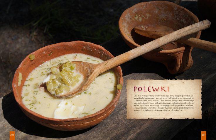 """Książka Hanny i Pawła Lisów pt. """"Kuchnia Słowian, czyli o poszukiwaniu dawnych smaków"""" (NASZA KSIĘGARNIA)."""