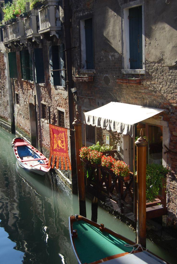 Wandering Soul, Wondering Mind — Venice 2009, Veneto, Italy photography by Cityhopper2