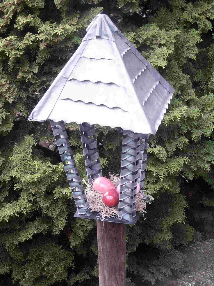 lantaarn/vogelhuisje dak van lood de rest met fietsband