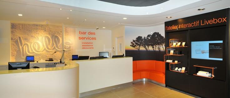 Très grande boutique Orange de Caen: Caen, Le Design