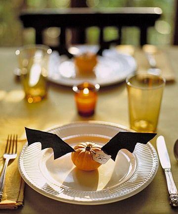 Bat pumpkinHalloween Parties, Halloween Dinner, Tables Sets, Place Cards, Dinner Parties, Halloween Table, Places Sets, Places Cards, Placecards