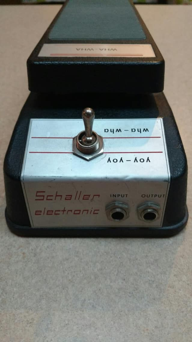 schaller wha wha yoy yoy located in usa wha yoy pedal 1970 39 s black pedals guitar effects. Black Bedroom Furniture Sets. Home Design Ideas