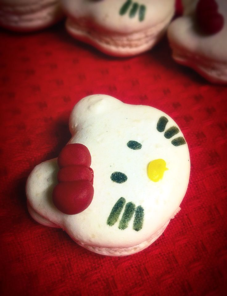 Hello Kitty Macarons Strawberry flavored centres
