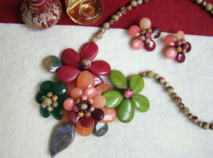 """""""Flori de piatră-Bijoux""""-bijuterii artizanale marca Didina Sava"""