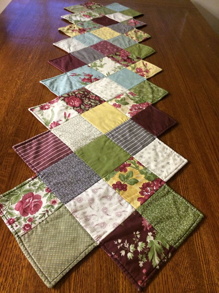 Zig Zag Table Runner Using Field Notes Charm Pack From