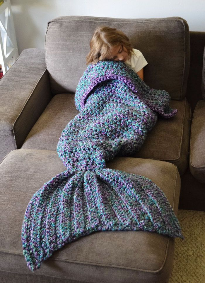 AD-Crocheted-Mermaid-Tail-Blankets-Melanie-Campbell-03