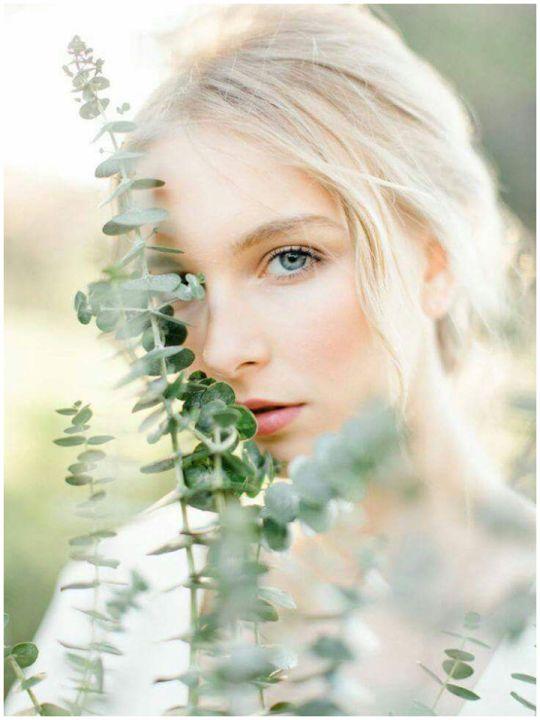 http://www.magnoliarouge.com/inspiration/simple-organic-italian-bridal-session/