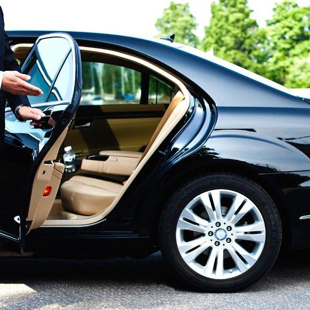 70 Houston Airport Service Houston Ground Private Transportation From Home Hotel Or Airport Pick Up A Luxury Car Rental Town Car Service Chauffeur Service