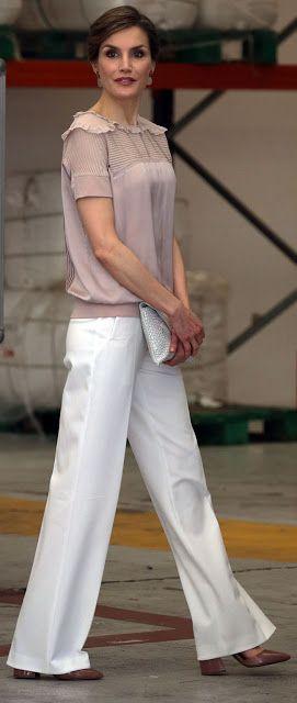 Trouser:Hugo Boss Clutch:Uterque