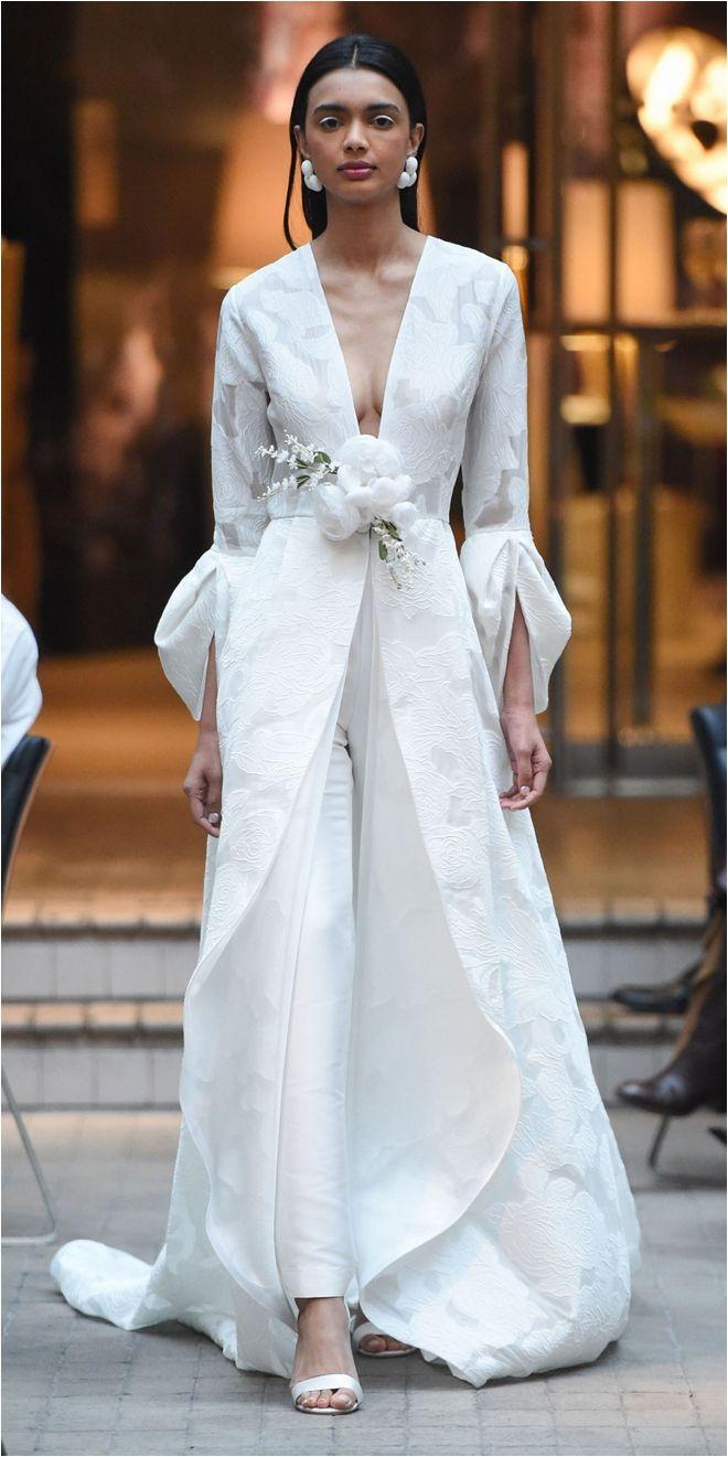 Original y a la vez elegante traje de novia en pantalón ❇❇❇ Si le añadimos apenas alguna variación será tbien un traje d noche auténticamente genial ❤❤