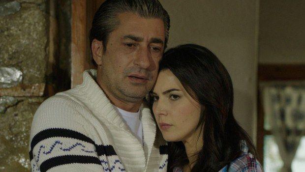 """Başrollerinde Hatice Şendil ve Erkan Petekkaya'nın yer aldığı """"Dila Hanım""""…"""