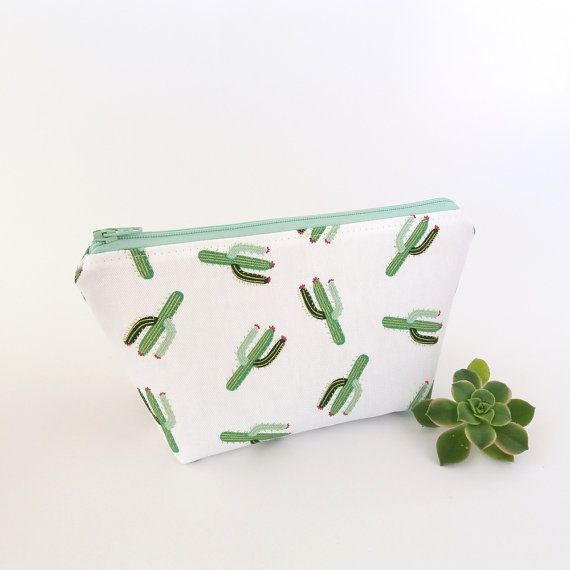 Cactus makeup bag Cactus pouch White zipper by greylittlemouse