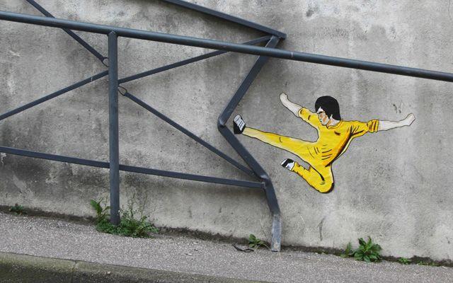 Les nouvelles interventions du street artist français « OakoAk »