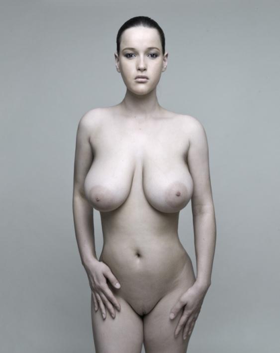 Curvy girl nude drawing opinion
