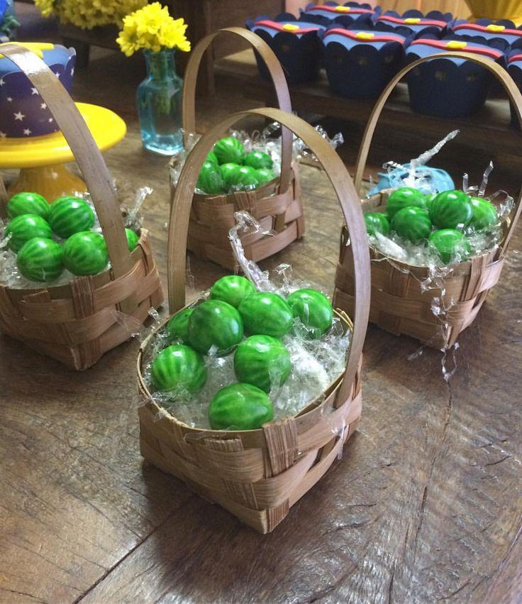 Um pequeno detalhe da festa do fim de semana! Tema Show da Luna #showdaluna #colored #fun #detalhes #decor #decoracaoinfantil #decoracaodefestas #melancia #watermelon #birthday #celebration #details