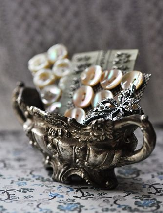 Beautiful button cards in a wonderful tarnished silver bowl!