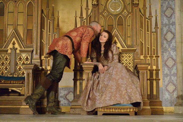 "S1 Ep16 ""Monsters"" - King Henry and Kathryn Prescott as Penelope"