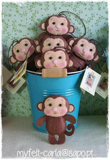 monkeys! Will have to make one for neal, maybe as an ornament for the christmas tree? I'll give it clothes as well!