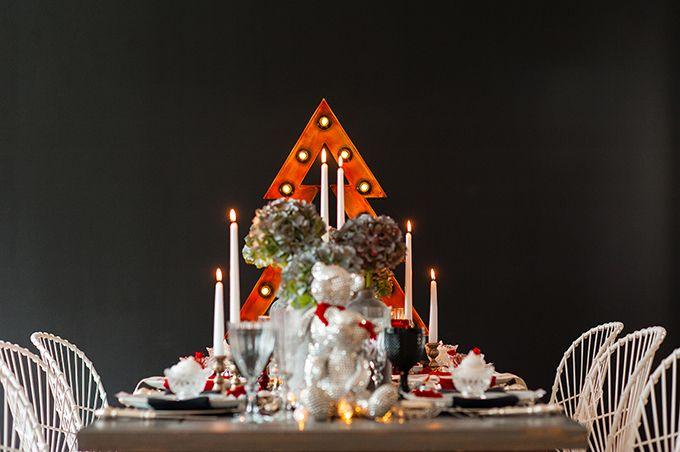 Ένα industrial χριστουγεννιάτικο τραπέζι by My Best Wishes Events | The Wedding Tales Blog