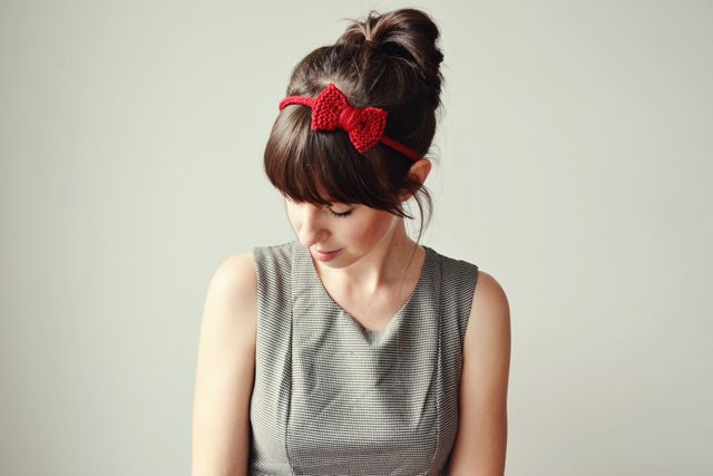 kathastrophal   DIY Tutorial for Crochet Hair Accessories by SqueakySwing