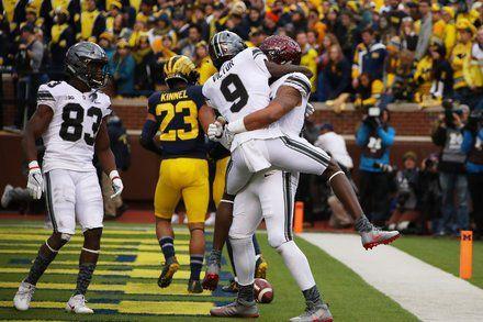 College Football Roundup: Ohio State Prevails Despite Pregame Mishap
