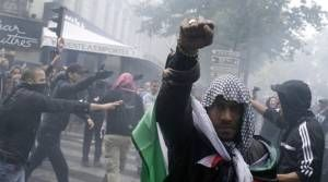 Brazen Anti-Semitism Sends French Jews Racing To Leave in Record Numbers – Forward.com