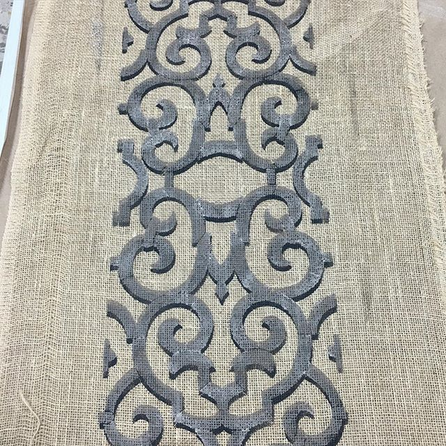 2 color stenciling on burlap using the Trellis stencil from Artisan Enhancements. Easy and elegant DIY table runner!
