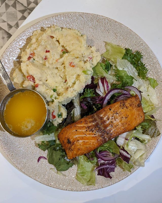 Really Enjoy The Salmon Meal At Marcoandcarl In Preston Its Beautifully Cooked With A Soft Flaky Centre To The Touc Salmon Recipes Creamy Mash Halal Recipes