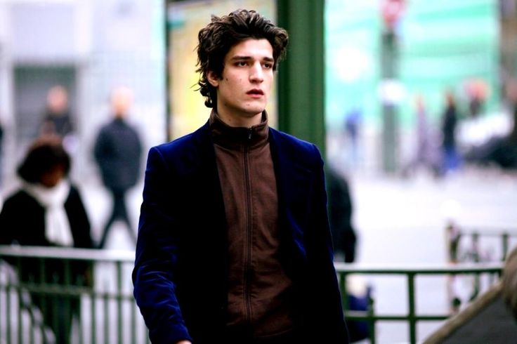 Louis Garrel, 2007   Essential Gay Themed Films To Watch, Love Songs (Les Chansons d'amour) http://gay-themed-films.com/love-songs/
