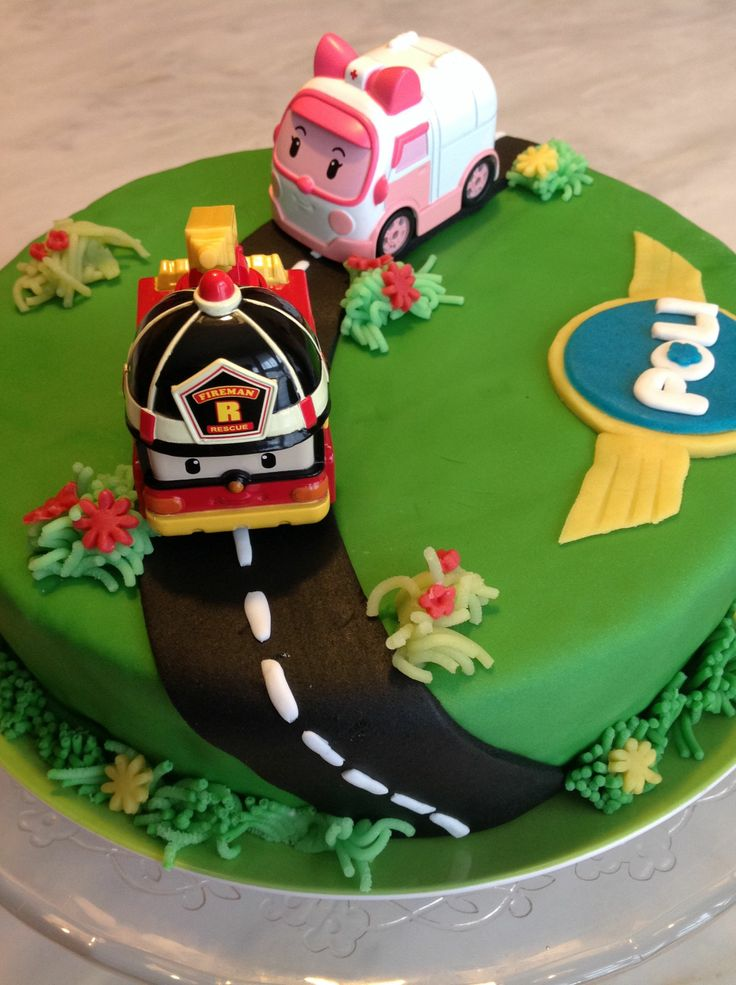 g teau d 39 anniversaire robocar poli robocar poli birthday cake idee gateau test pour les 3 ans. Black Bedroom Furniture Sets. Home Design Ideas