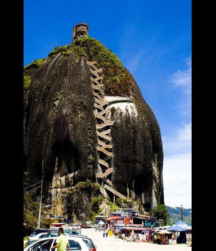 Piedra del Peñol - Medellin, Colombie - De singuliers escaliers