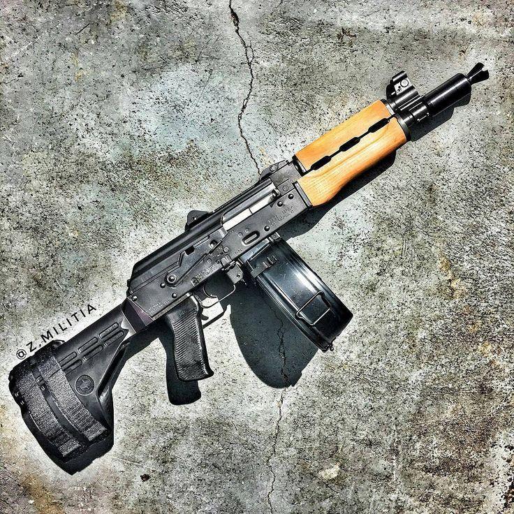 216 отметок «Нравится», 1 комментариев — @guns.lovers_ в Instagram: «@Regrann from @z.militia -  Zastava M92 pistol  #zastava #ak47 #kalashnikov #762x39 #guns #gunporn…»