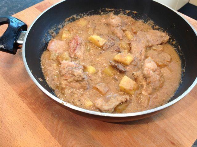 Conejo con salsa de almendras: un guiso saludable y económico