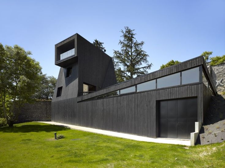 Artist Residency - a Silent Piece of Art with Monolithic Architecture (1)