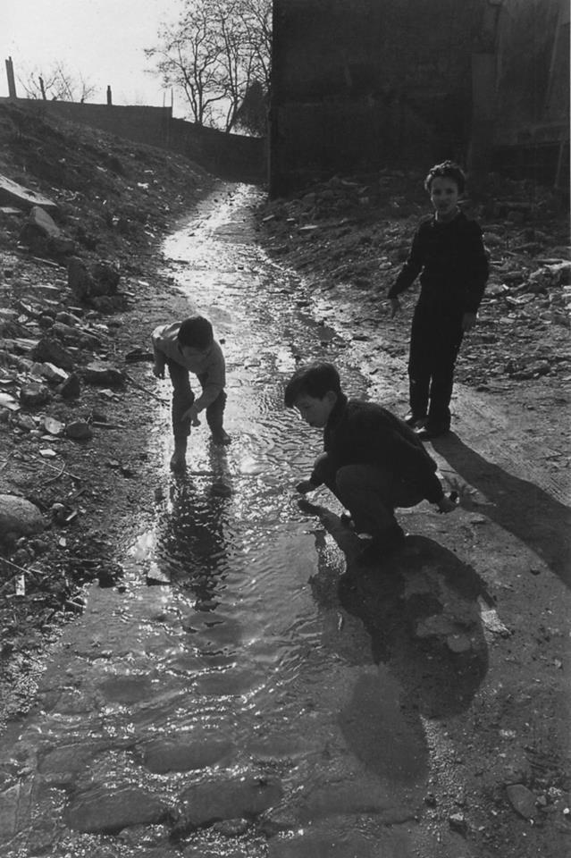 Le torrent de Ménilmontant-Paris 1969 (R. Doisneau)