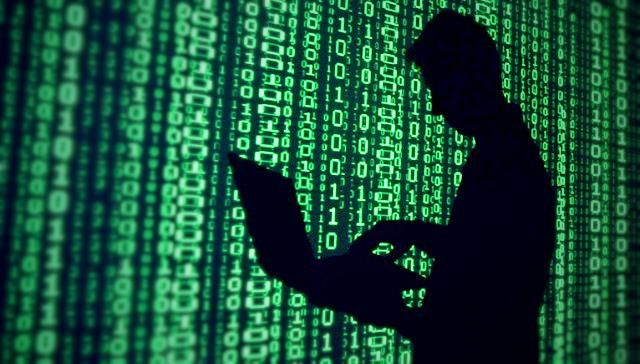 Washington Güvenlik Kameralarını Hackleyen Hackerlar Yakalandı Amerika Birleşik Devletleri'nin başkenti Washington şehrinin güvenlik kameralarının %70'lik kısmını hackleyen hackerlar Londra'da yakalandı. http://www.teknosultan.com/washington-guvenlik-kameralarini-hackleyen-hackerlar-yakalandi-6595.html