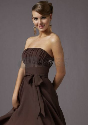 A-Line/Princess Strapless Knee-Length Chiffon Charmeuse Bridesmaid Dresses